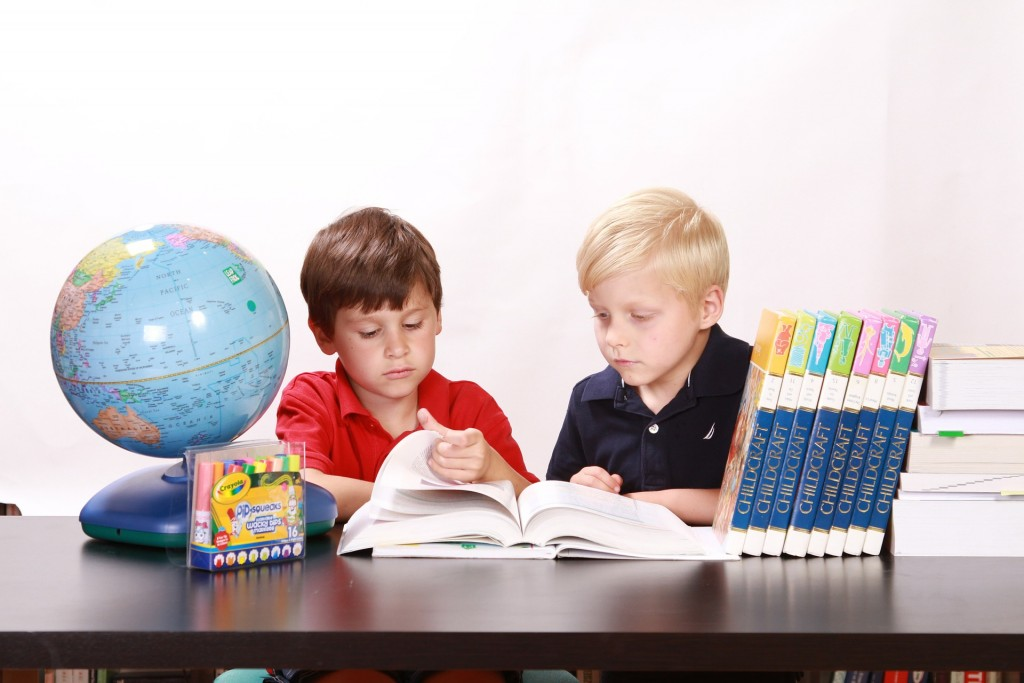 eğitim-ve-felsefe-1024x683